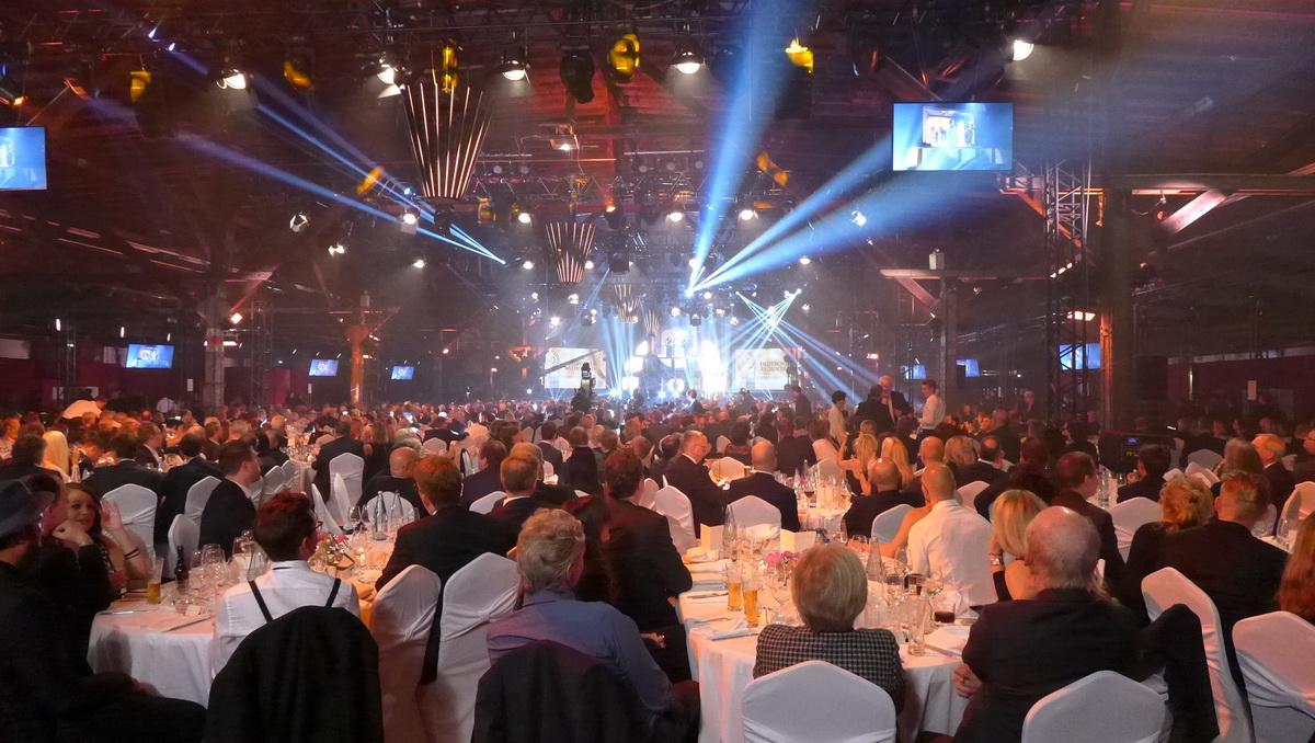 """Siebter """"Deutscher Radiopreis"""" Tische"""