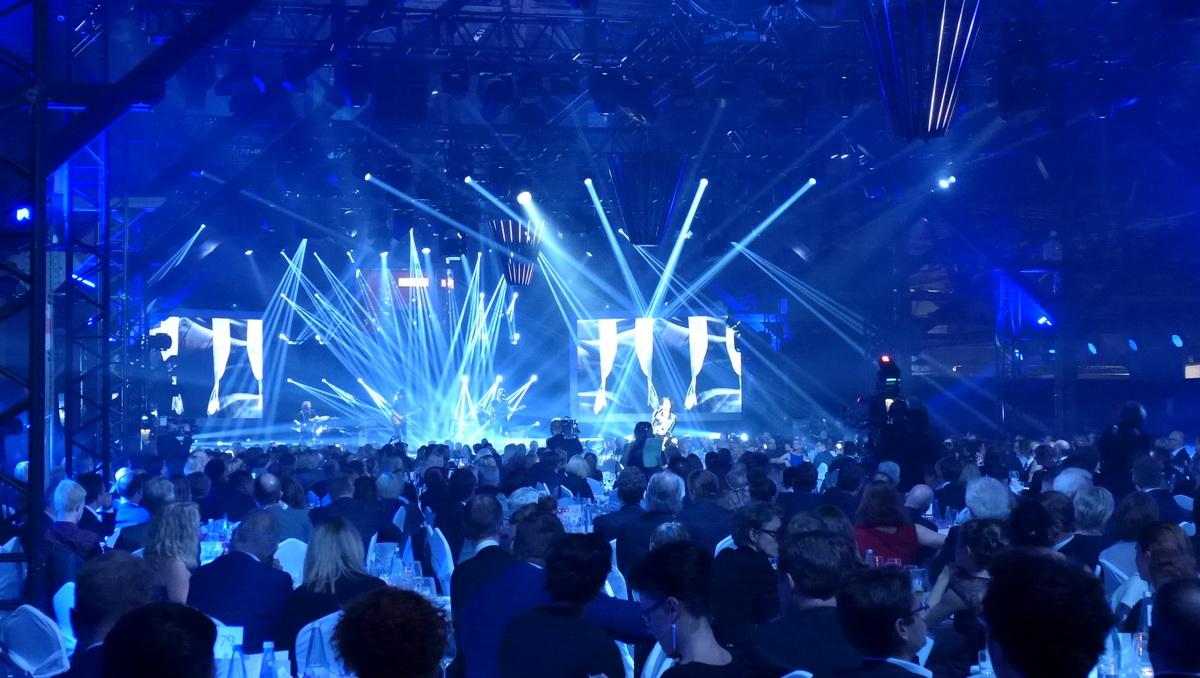 """Siebter """"Deutscher Radiopreis"""" , 2016, blaues Licht"""
